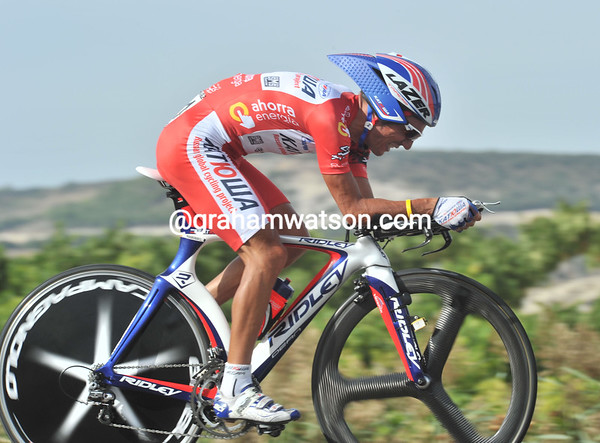 """Joaquin Rodriguez was just a little bit off the pace in 106th place at 6' 12"""" - he lost the Vuelta today..!"""