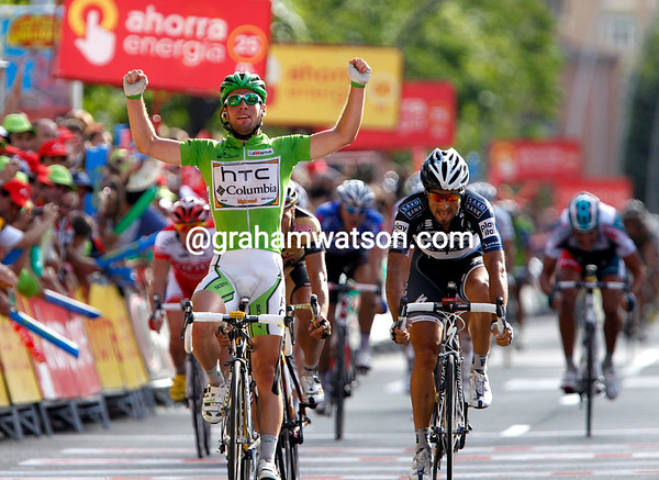 Mark Cavendish wins stage eighteen into Salamanca, barely challenged by Haedo, Cardosa or Farrar...