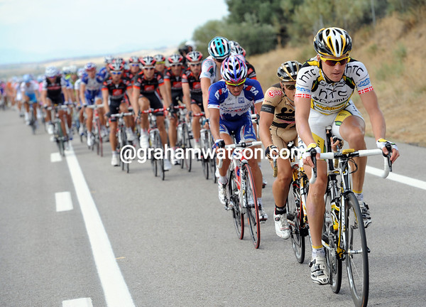 Lars Bak is leading the chase, rotating with Footon, Katusha and Omega riders all day...