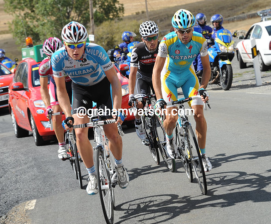 An escape is going away after the climb, led by Dominik Roels...