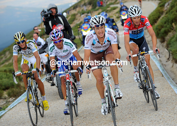 Nicholas Roche is at the head of a quartet containing Rodriquez, Velits and Schleck - another 30-seconds back...