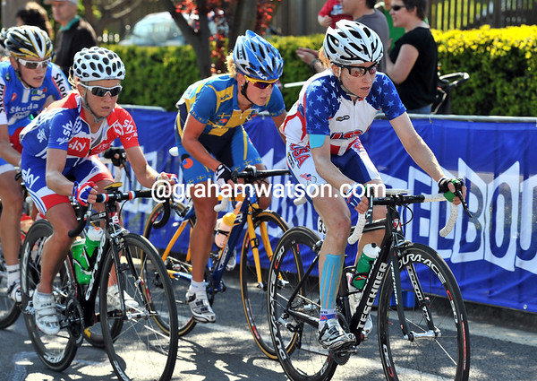 Amber Neben and Emma Pooley are at the head of affairs on lap six...