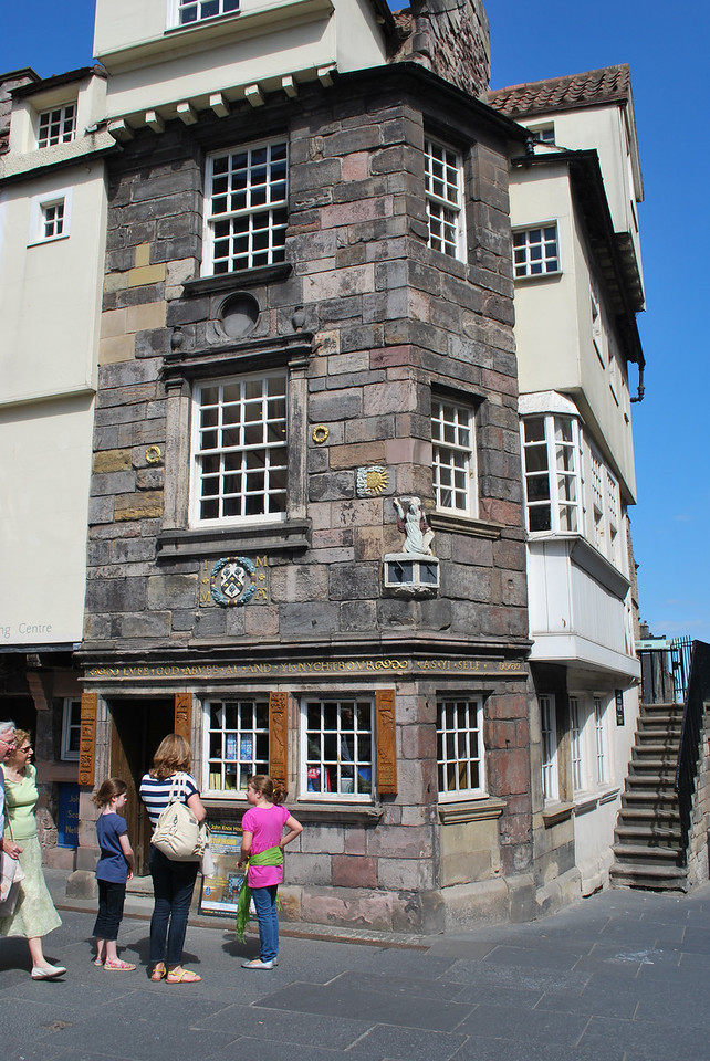 Home of John Knox, ordained Roman Catholic priest and contemporary of John Calvin, who helped bring the reformation to the Church of Scotland.