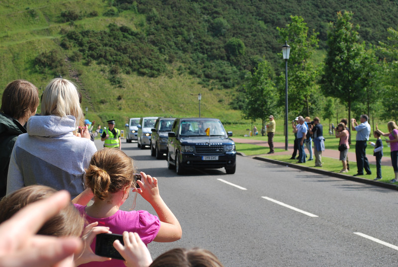 The Queen's motorcade as she returns to Hollyrood Palace.