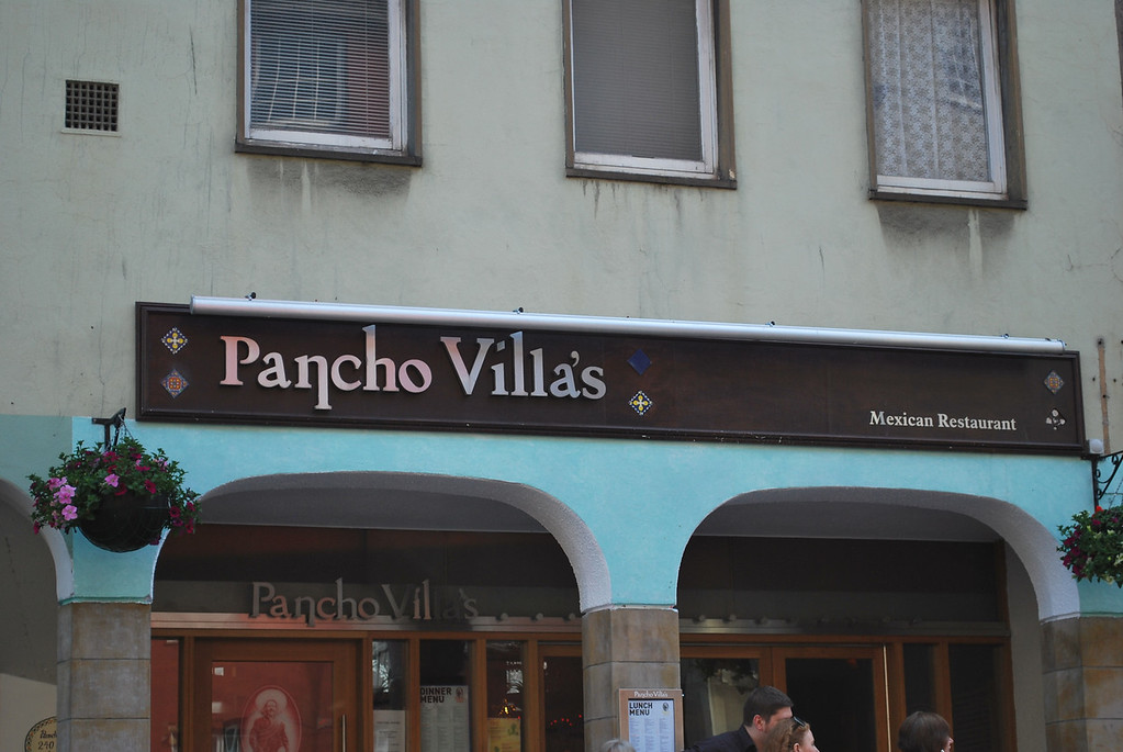 I mean, really? I had to take a photo of Mexican restaurant in Edinburgh!!!