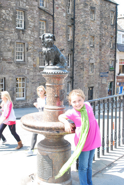 Sabrina with the statue of Greyfriar's Bobby