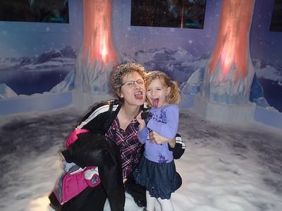 20111118 Ice Palace,Woofield