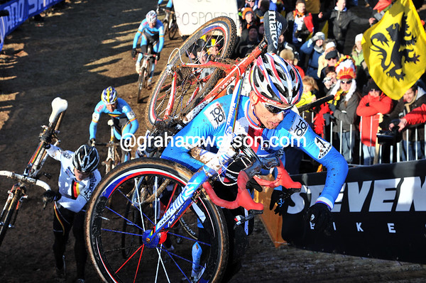 Stybar pounds away up the stairs - can anyone stop the defending champion..?