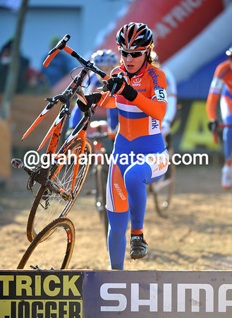 Sabrina Stultiens's race has gone after losing her front wheel over a jump...