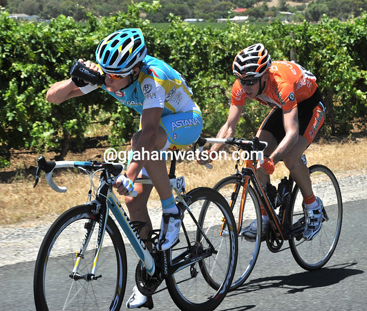 Simon Clarke and Minguez are alone in front with 20-kilometres to go - it's been great TV exposure for both riders..!