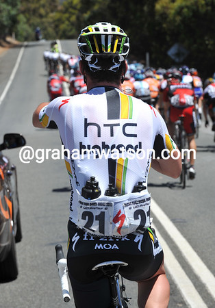 Even Mark Cavendish is collecting water bottles today..!