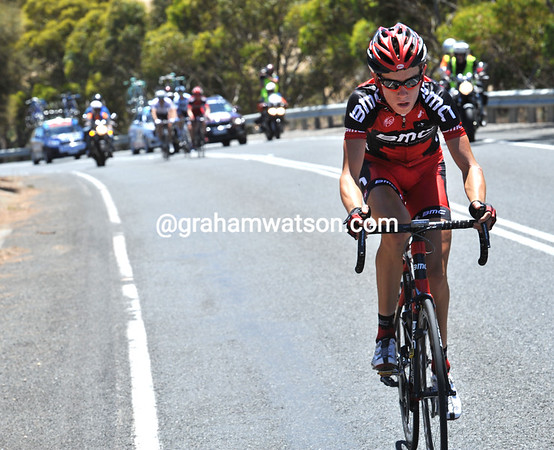 Roe has attacked with about 25-kilometres to go - go..!