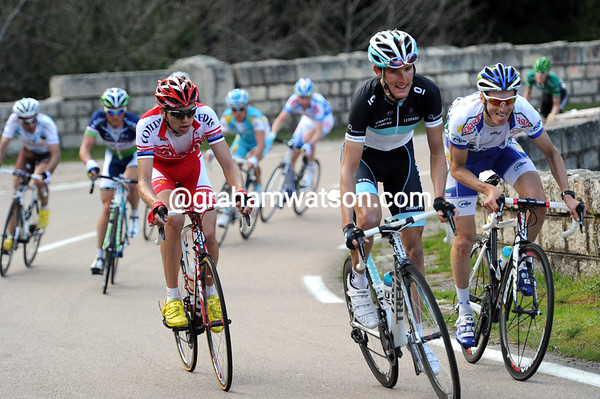 Andy Schleck stirs the pot with a few accelerations...