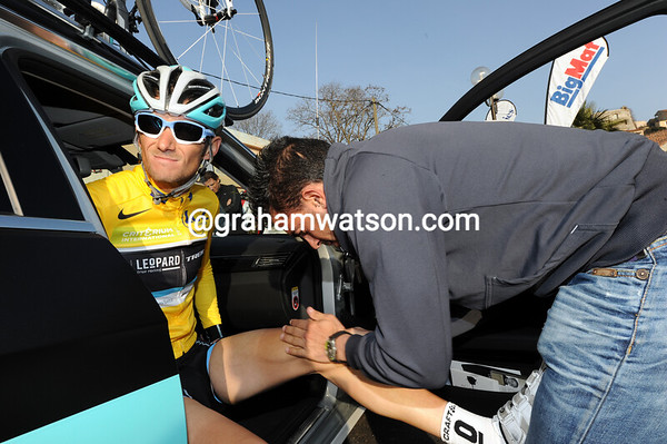 An early morning massage helps Frank Schleck to wake up and be ready - someone changed the clocks last night..!