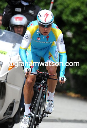 Alexandre Vinokourov took 2nd place at just two-seconds - he's a man to watch out for this week..!
