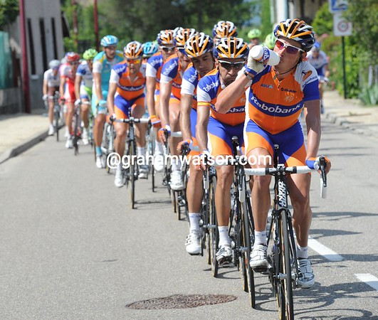 Rabobank are now at work chasing - they hope to leap-frog Robert Gesink into the race-lead on the finish ascent...