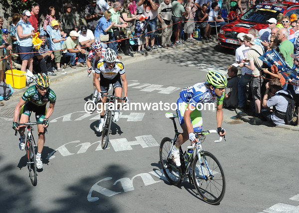Maijec Paterski leads a quartet of escapers up the Mur de Huy - they lead by 17-minutes, 80-kilometres into the race..!