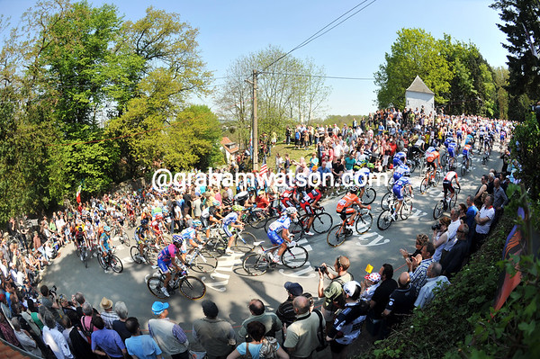 Summertime, summertime - the Mur de Huy is packed with fans on such a beautiful day...