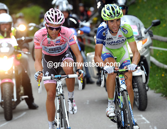 Nibali is doing all the work, because Contador wants Anton to win the stage...