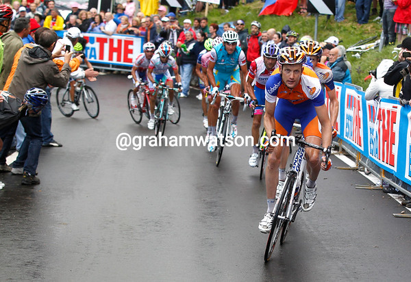 Peter Weening leads the chase up the final climb...
