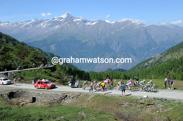 The Giro climbs the Colle di Finestre with the French Alps as a backdrop...