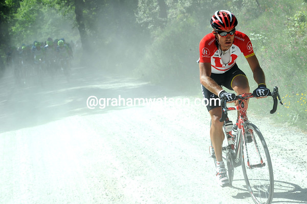Yaroslav Popovych attacks from the peloton on the gravel roads...