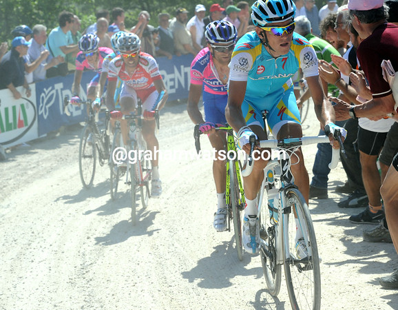 Roman Kreuziger makes a move now, taking Scarponi and Garzelli with him...