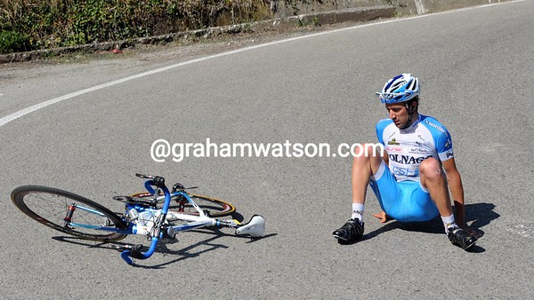 Canuti has crashed while descending with the escape...