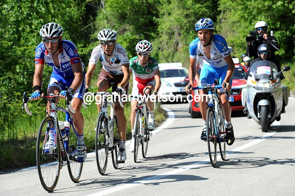 Pineau leads the escape up the first real ascent in this Giro, they posess a four-minute lead...