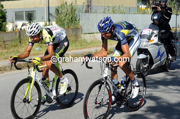 Giordani and Salvaggi are clinging to a two-minute lead with 20-kilometres left...