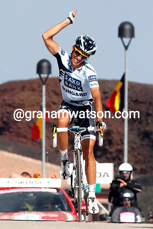 Alberto Contador wins stage nine after dropping Rujano in the last kilometre...