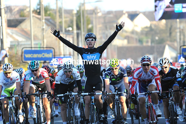 Greg Henderson is the winner of stage two - what a great day for the New Zealander..!