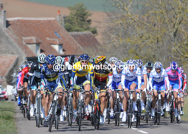 Vacansoleil is leading the peloton, but the chase is far from being serious on such a long stage...