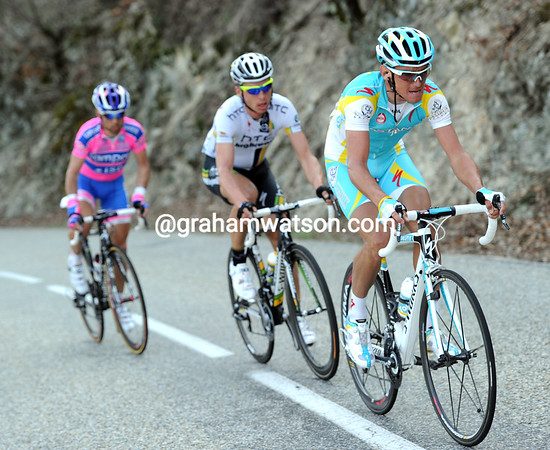 Roman Kreuziger picks up the initiative now - he has Tony Martin right behind him...