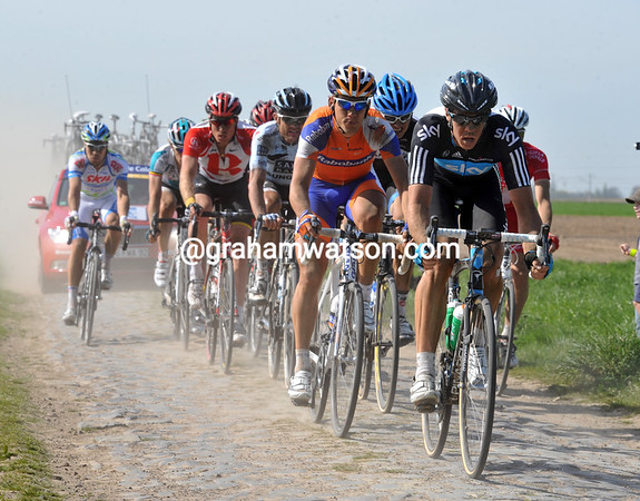 Matthew Hayman leads the escape across cobbles at Wannehain - one of these guys might just win..!