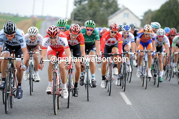 The lead 'bordure' sees Tony Gallopin and Klaster Kloostergaard in control...