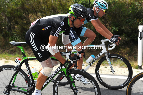 Flecha is totally unhurt, maybe his many bandages protected him..!