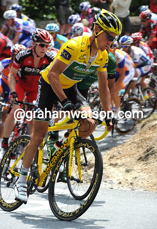 How could we forget that Thomas Voeckler is now wearing the Yellow Jersey..?
