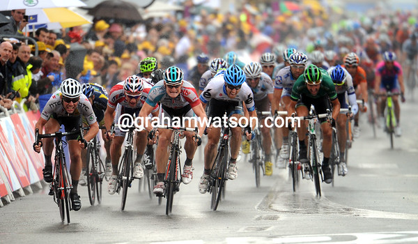 The sprint is on into Lavaur, but the sprint is only for second-place it seems...