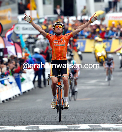 Sammy Sanchez wins stage twelve to Luz-Ardiden in a great tradition of Basque victories on the mountain...