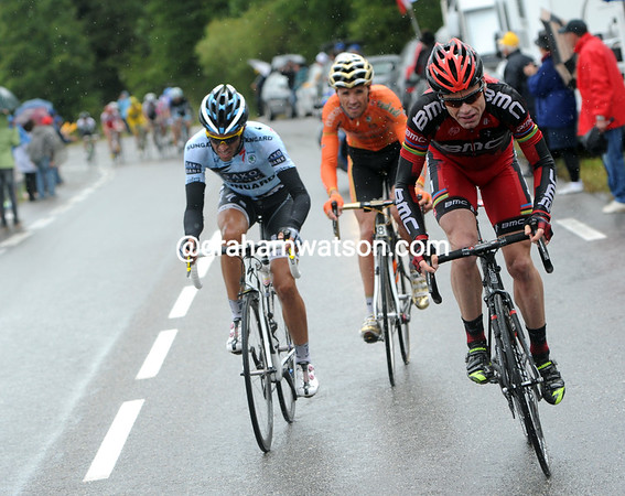 Evans now has a go, and Contador's face shows concern at his rival's strength...