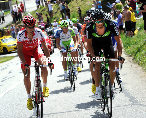 Juan Antonio Flecha is in this escape - he's probably hoping to get far ahead on the Col de Telegraphe..
