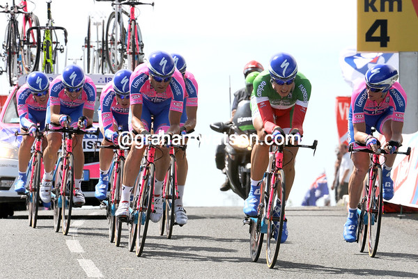 "Italian TT champion Malori helped as much as he could, but Lampre ended in 17th place, 1' 04"" down..."