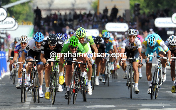 Mark Cavendish sprints for the line after a perfect lead-out from Mark Renshaw...