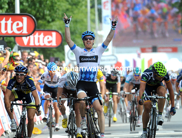 Tyler Farrar wins into Redon on July 4th - the American can also celebrate his independence as a stage-winner of the Tour..!