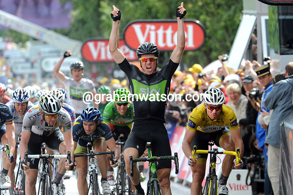 Edvald Boasson Hagen wins stage six into Lisieux, just ahead of Goss and Hushovd, who remains as race-leader...