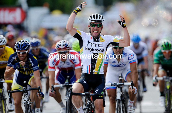 Mark Cavendish wins stage seven..!
