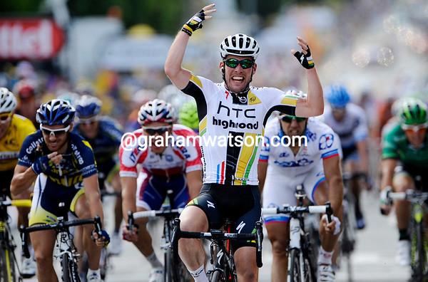 Mark Cavendish wins stage seven..!