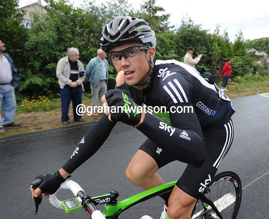 Simon Gerrans feels good about today, or so it seems...