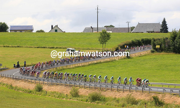 The peloton races towards the penultimate climb with Astana now leading the pursuit...